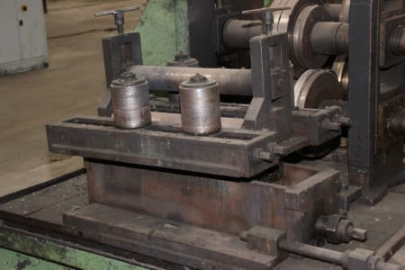 Roll-Forming Machine i_02773010