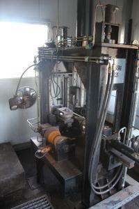 SIEKMANN Durchlauf-Stempelanlage für Rohrbögen i_02138977
