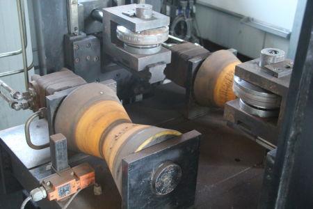 SIEKMANN Durchlauf-Stempelanlage für Rohrbögen i_02138981