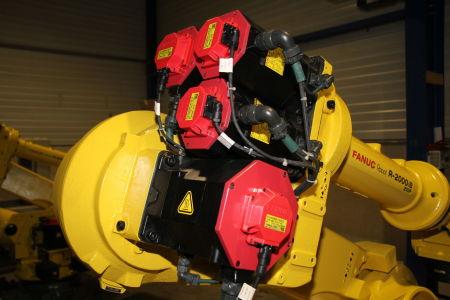 Robot industrial FANUC R2000iB/210F i_02282903