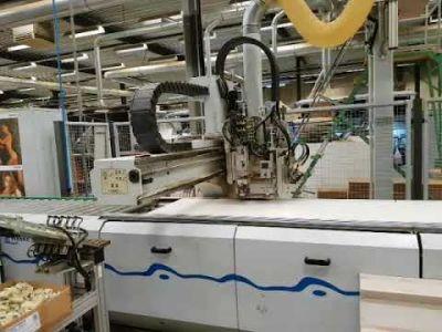 Centre d'usinage CNC pour perçage, encollage et insertion de goupilles WEEKE BHT 320/2 v_02928226